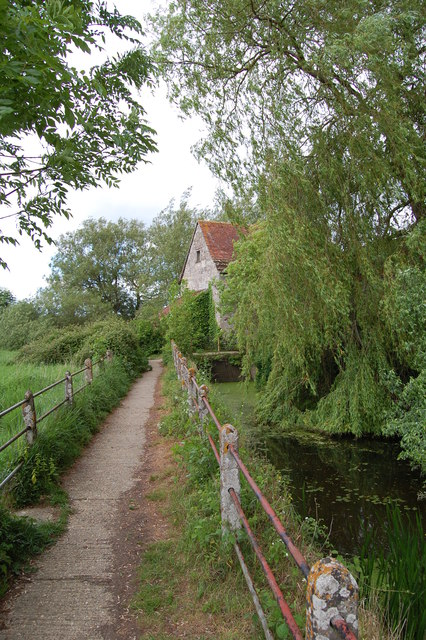 Beside the leat to Fiddleford Mill