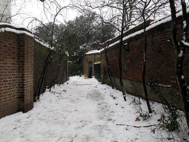 Path to Crooms Hill Gate