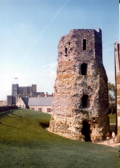 Dover The Pharos & Castle September 1985