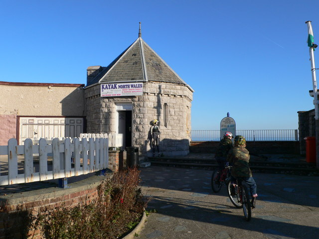 Former ticket office, Rhos Point