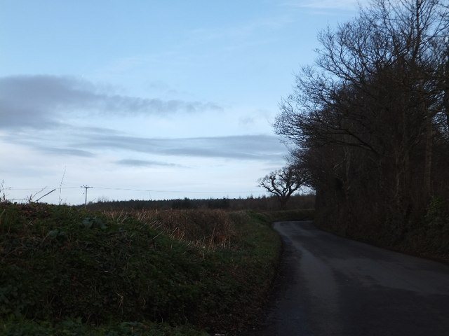 Minor road to Humber from Rowden Cross