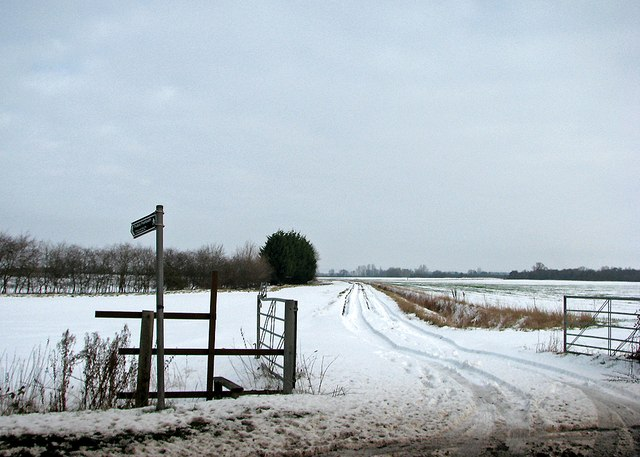 Snowy path near the edge of the fens