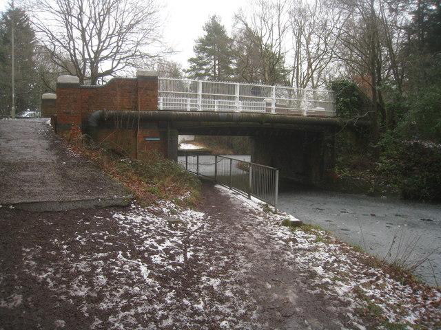 Old Pondtail Bridge, Basingstoke Canal