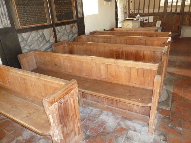 A December visit to St Nicholas Church, Freefolk (f)