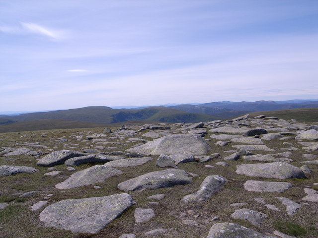 Rocks near the summit of Carn a' Choire Bhoidheach