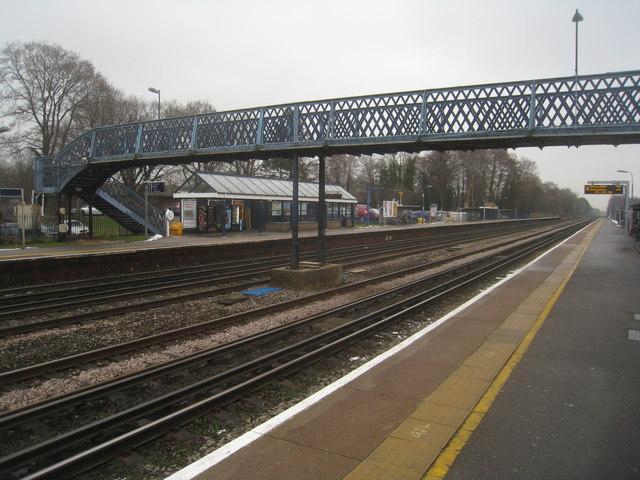 A no frills railway station (Fleet)