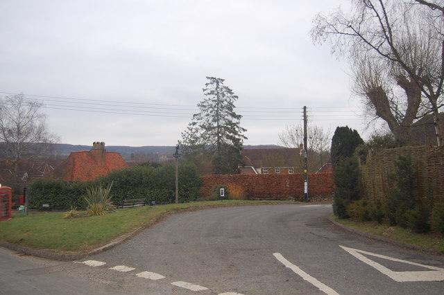 Road junction at Plaxtol Spout