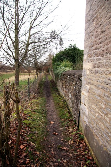 Footpath to Mill End