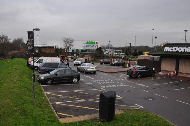 South Gloucestershire : Cribbs Causeway - McDonald's Car Park