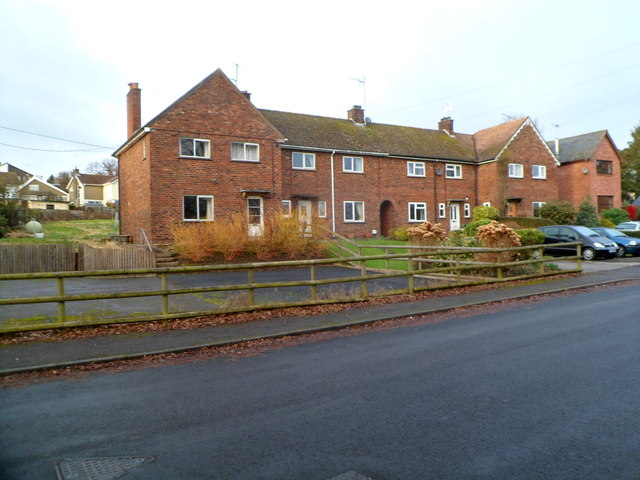 Short row of houses, Ton Road, Llangybi