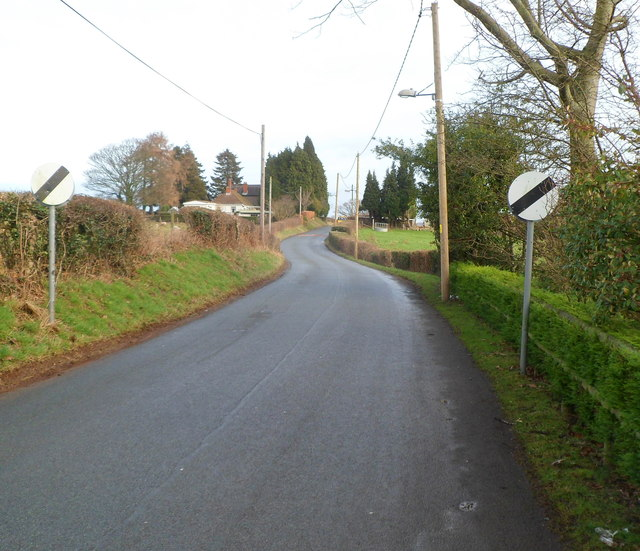 End of 30mph speed limit on Sluvad Road near New Inn