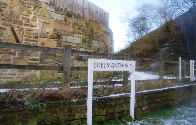 Skelmanthorpe Station and footpath