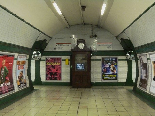 Clock, Kilburn Park Underground Station