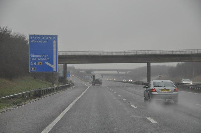 Tewkesbury : The M5 Motorway Northbound