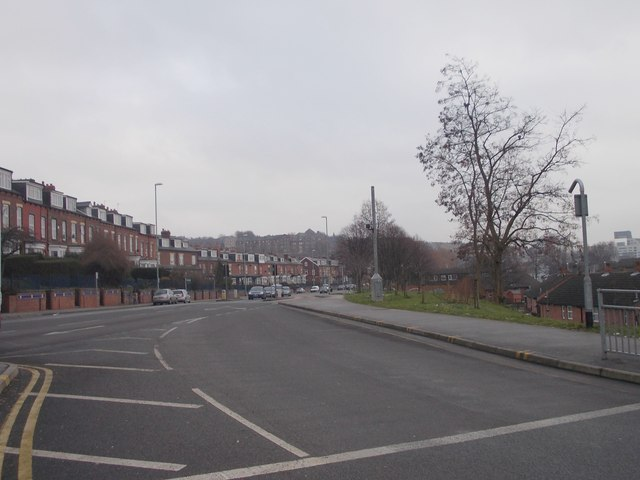 Burley Road - looking towards Leeds from Cardigan Road