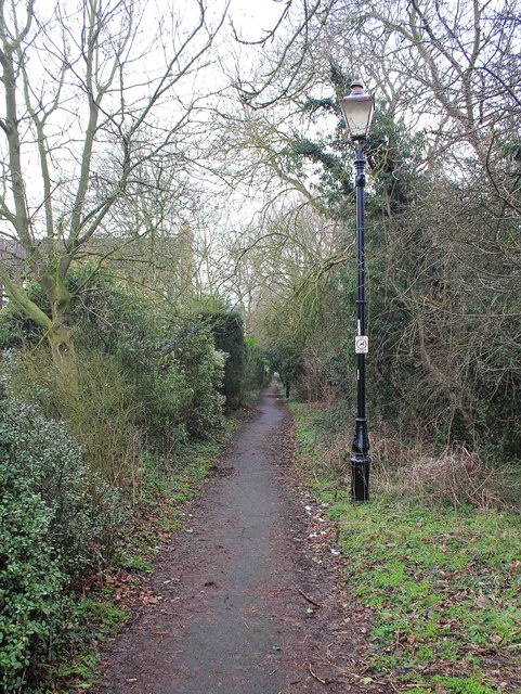 Footpath to Evesham Road