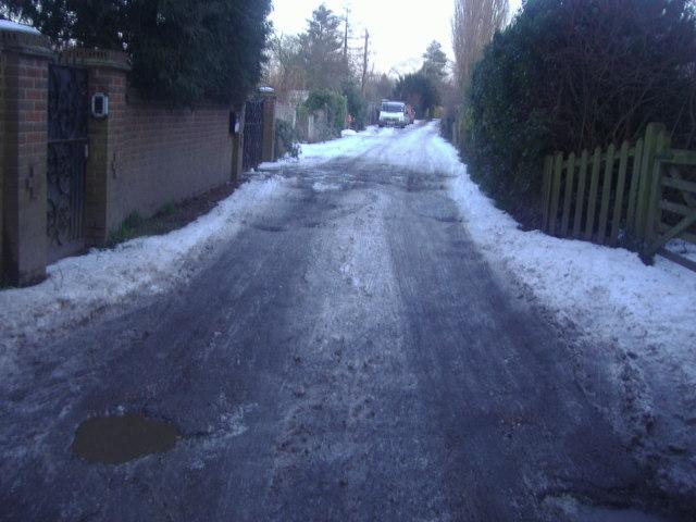 Track off Roydon High Street
