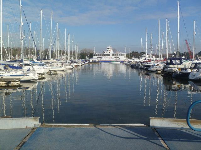 Lymington, ferry