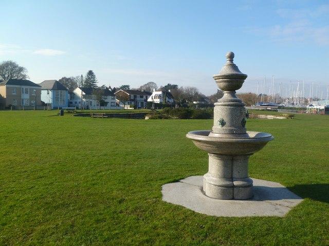 Lymington, fountain