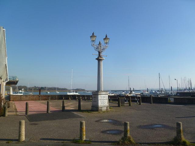 Lymington, monument