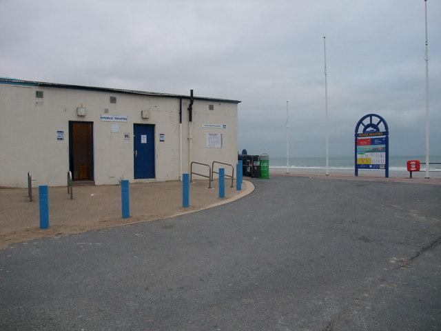 Public conveniences, Shore Road Promenade