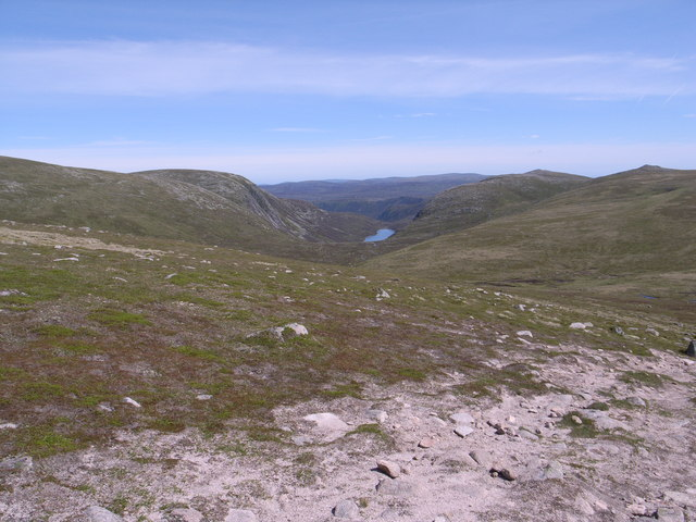Looking towards the Dubh Loch from high on the Mounth