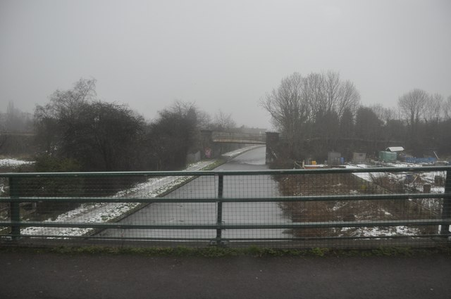 Nuneaton : Coventry Canal