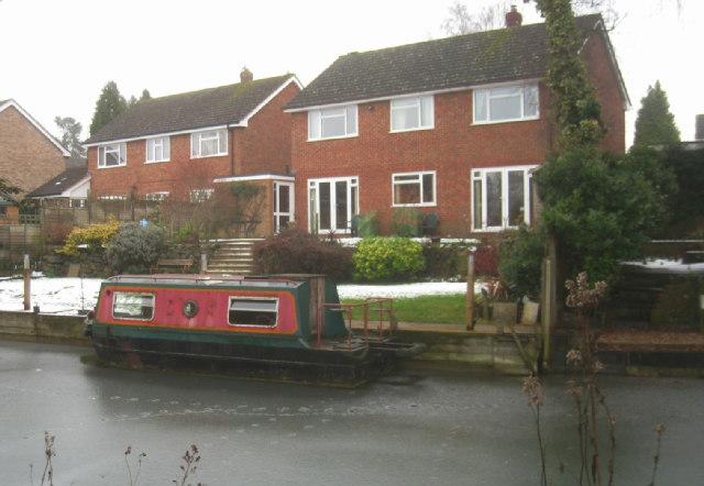 A mini narrowboat - Basingstoke canal