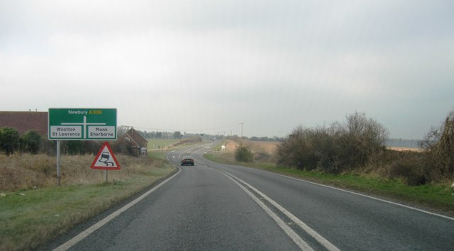 A339, approaching cross roads