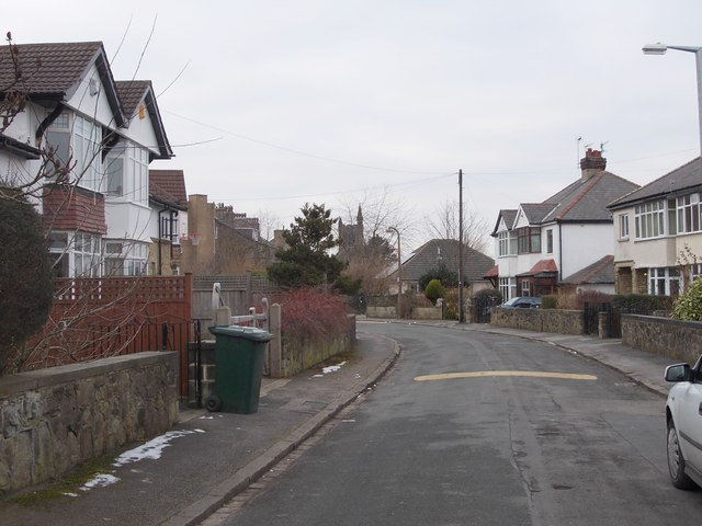 Grosvenor Avenue - Grosvenor Road