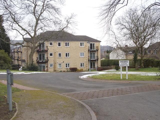 Jim Laker Place - Fern Hill Road