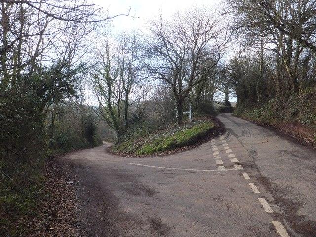 Road fork near Milton Hill