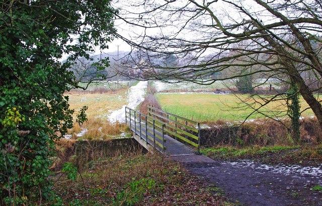 Public footpath to Wyre Mill Lane, near Wolverley