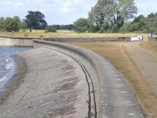 Reservoir spillway