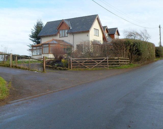 Brynteg, Sluvad Road east of New Inn
