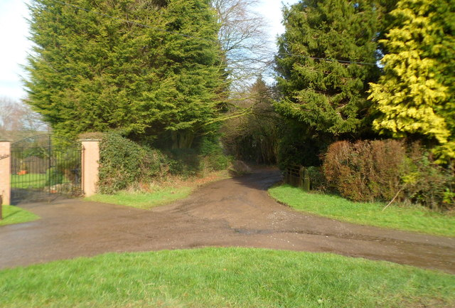 Entrance road to The Sluvad Farm