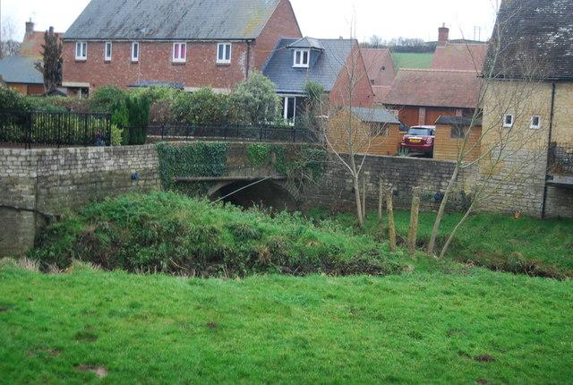 Bridge over River Brit, Pymore