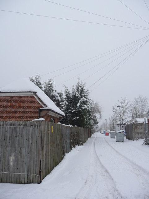 Service Road behind Shops in Bramley Road, London N14