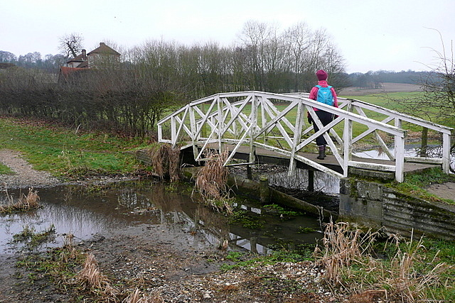 Footbridge to Park Farm