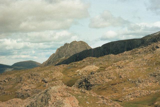 Path east from Llyn y Cŵn