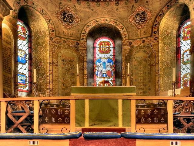 Altar and Windows, St Thomas's Church