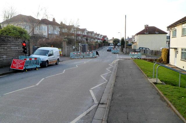 Temporary traffic lights, Pillmawr Road, Malpas, Newport
