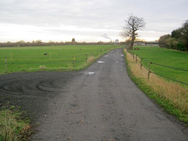 Farm track at Kelham