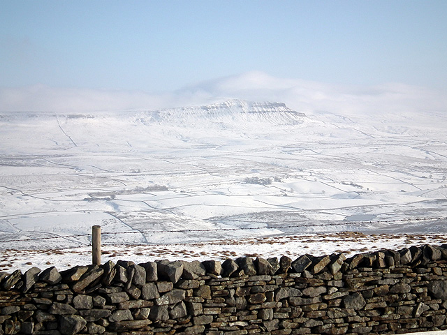 Dry stone wall and Pen-y-ghent
