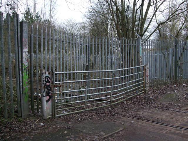 Gates blocking disused GWR Highworth branch line
