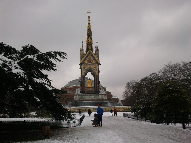Albert memorial in the snow