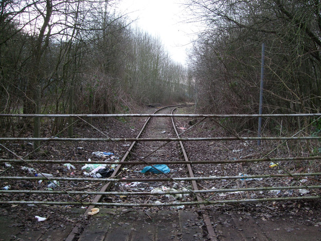 Gate blocking disused GWR Highworth branch line