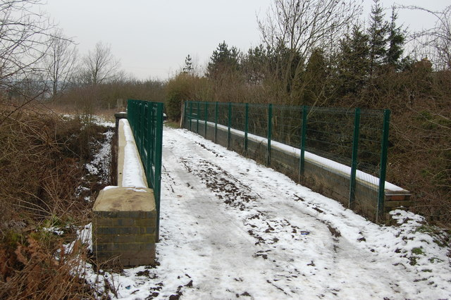 Bridge taking Field Lane over Great Central Railway