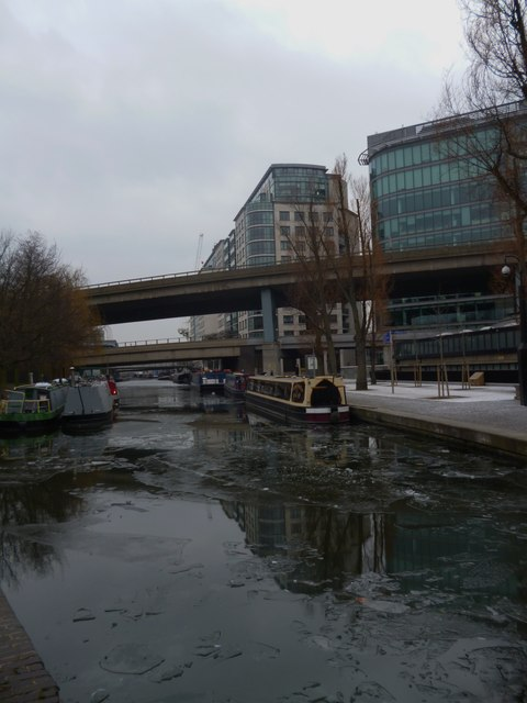 Semi-frozen surface, Regent's Canal