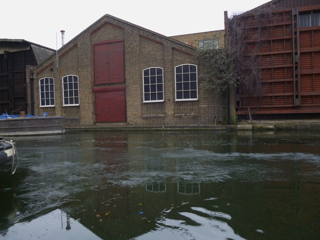 Canal side building, Regent's Canal